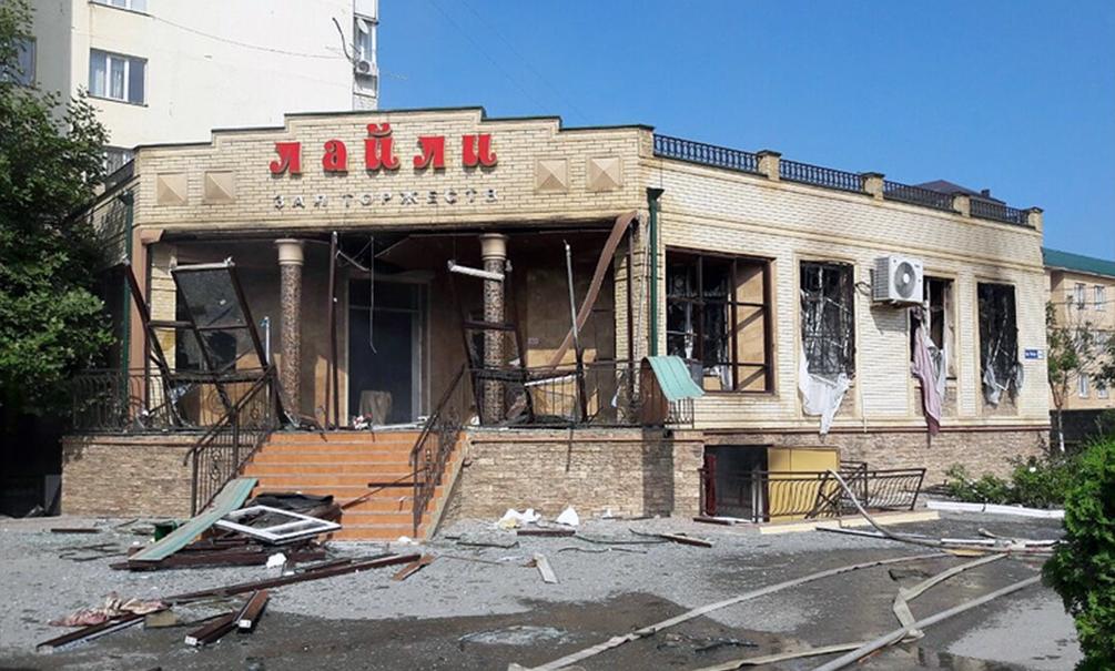 13 женщин пострадало при взрыве в кафе в центре Махачкалы