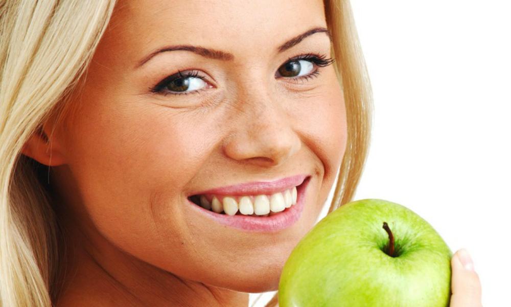 Любовь к яблокам продлевает жизнь человека на 17 лет, - ученые