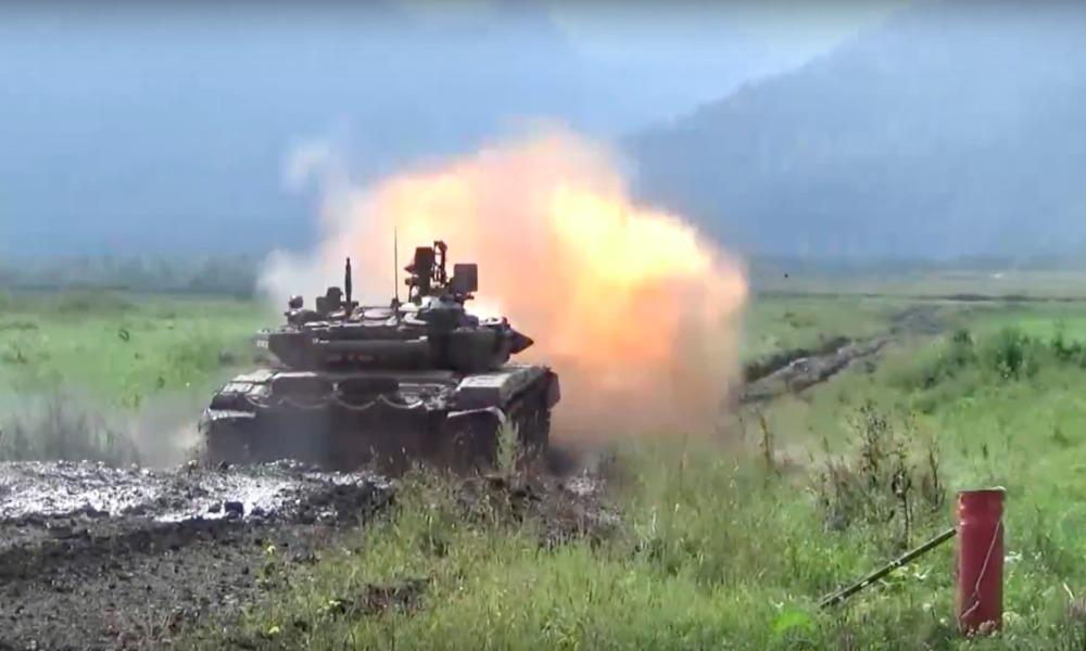 Опубликовано видео боевых стрельб войск на полигонах Южного военного округа России