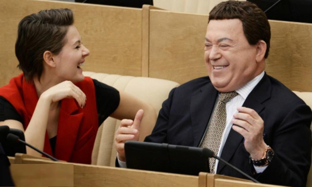 Кожевникова обиделась на журналистов и назвала Кобзона незаменимым