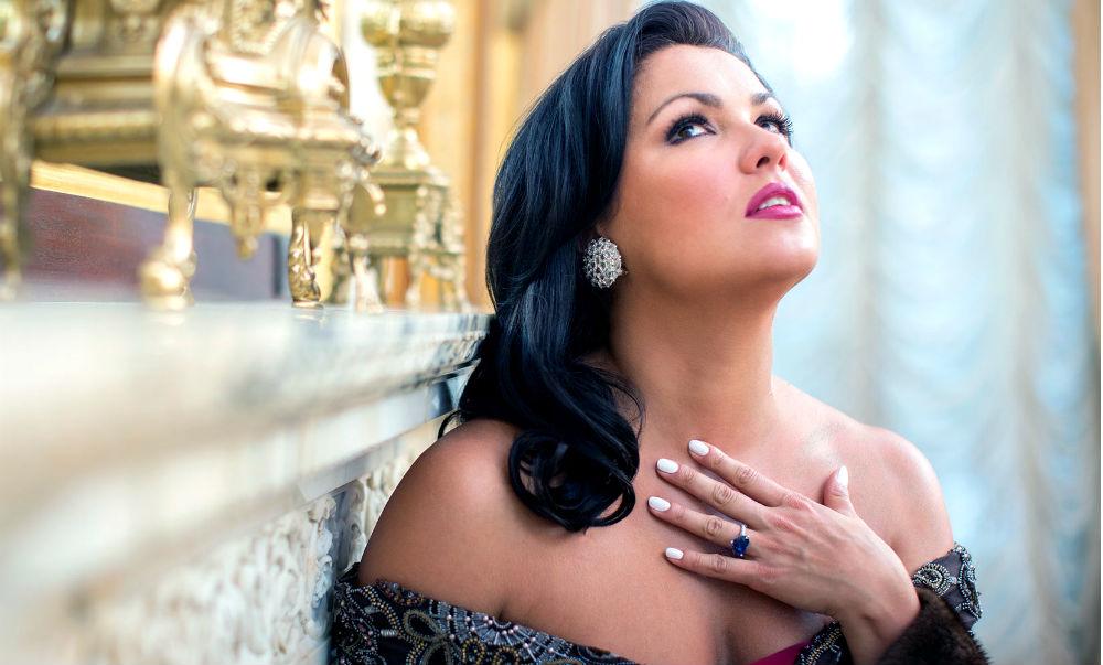 Календарь: 18 сентября - Знаменитая оперная дива Анна Нетребко превратилась в «ягодку»