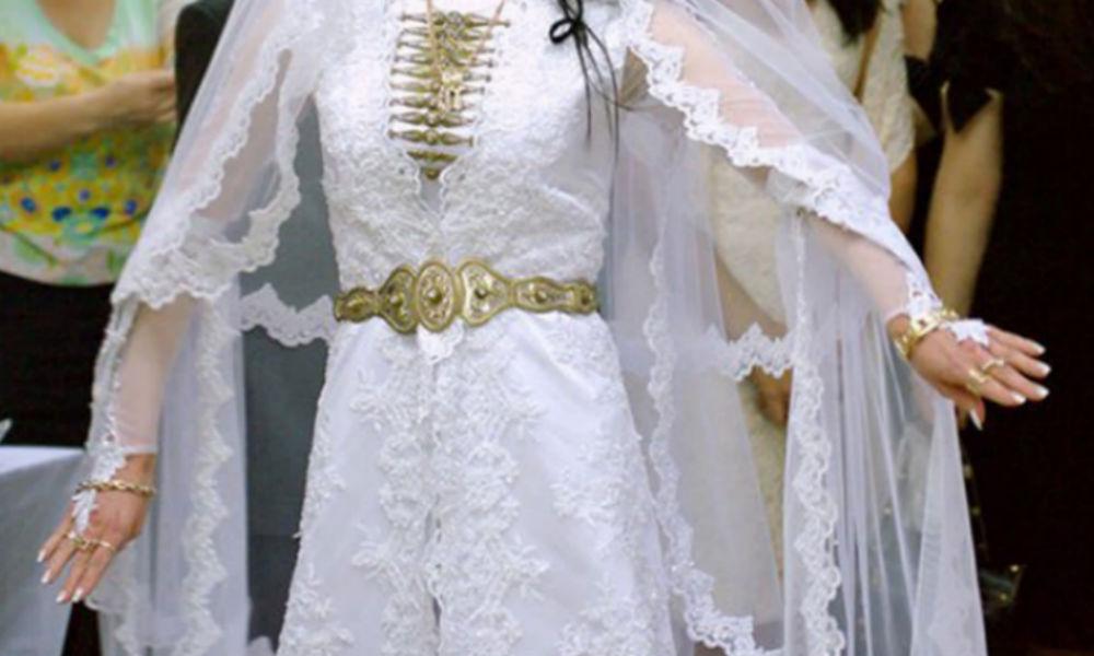 Влюбленные сыграли свадьбу на избирательном участке в Северной Осетии