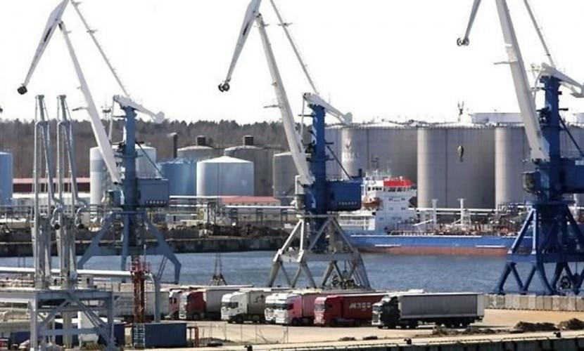 Эстония признала шоковые потери от сокращения Россией транзита грузоперевозок