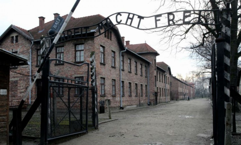 Зафразу «польский концлагерь» будут сажать натри года— Неточность формулировки