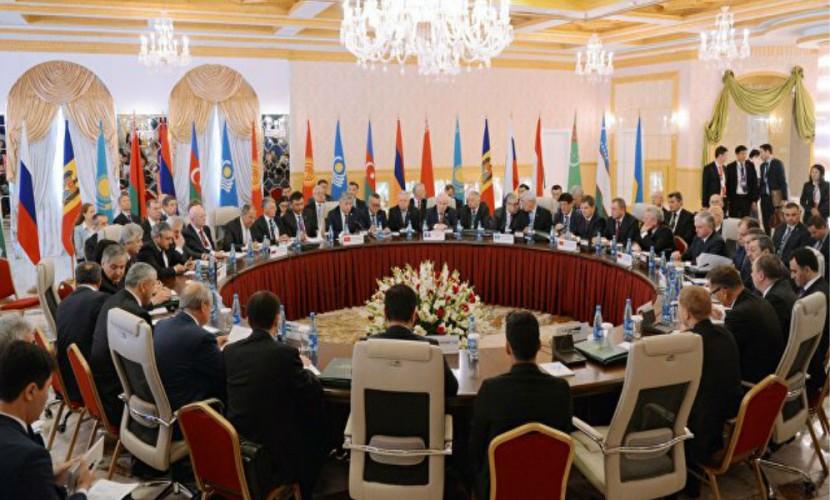 Украина оскандалилась предложением лишить Россию статуса председателя СНГ в 2017 году