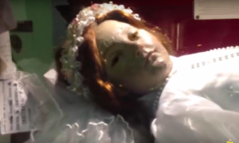 Умершая девочка спустя 300 лет открыла глаза и взбудоражила пользователей Сети