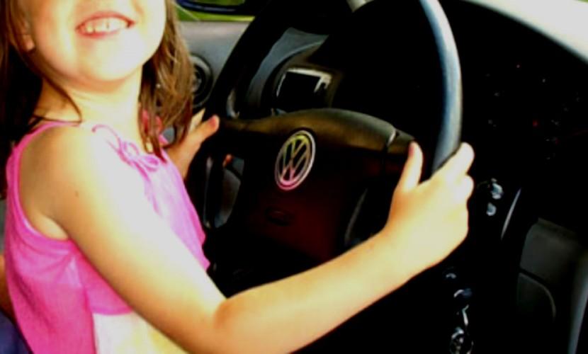 На Российской Федерации 11-летняя девочка зарулем сбила 9-летнего ребенка