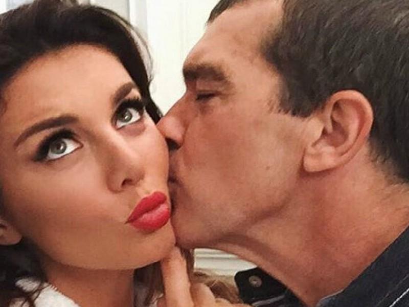 Антонио Бандерас снял Анну Седокову в эротической фотосессии в Москве