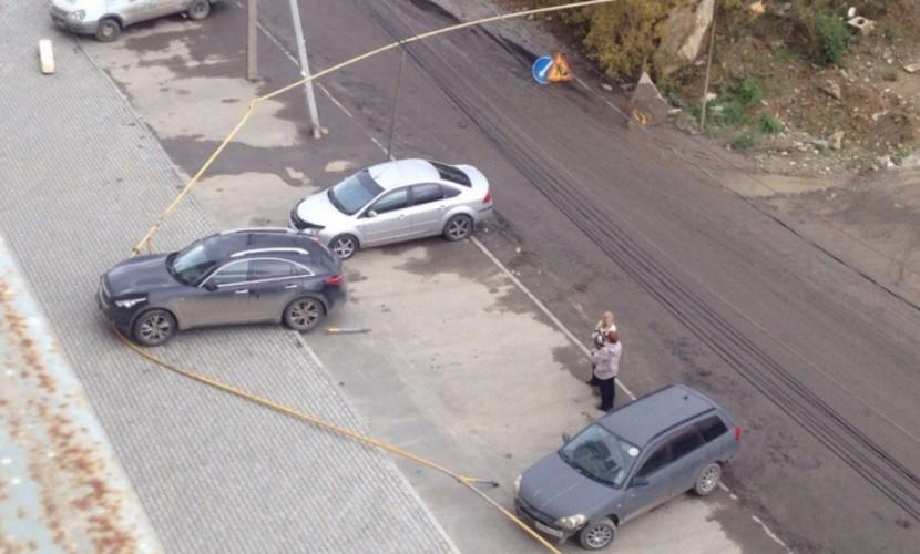 Женщина перепутала педали и повредила «феерично спроектированный» газопровод в Екатеринбурге