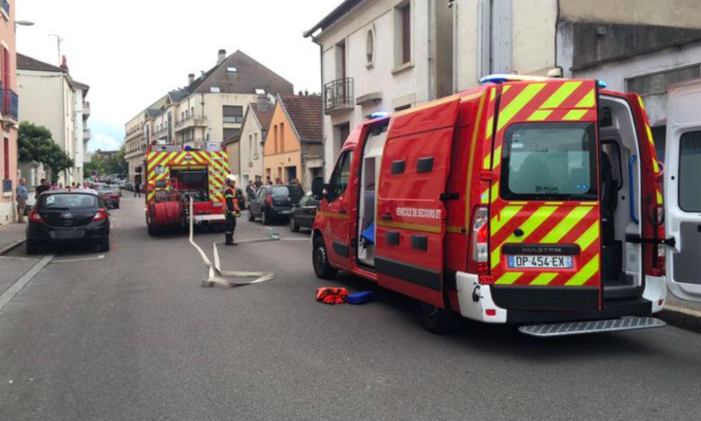 Мощный взрыв во Франции привел к обрушению жилого дома