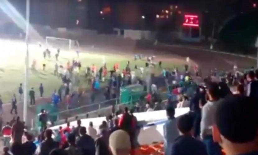 ВБратске футбольные болельщики устроили драку впроцессе матча