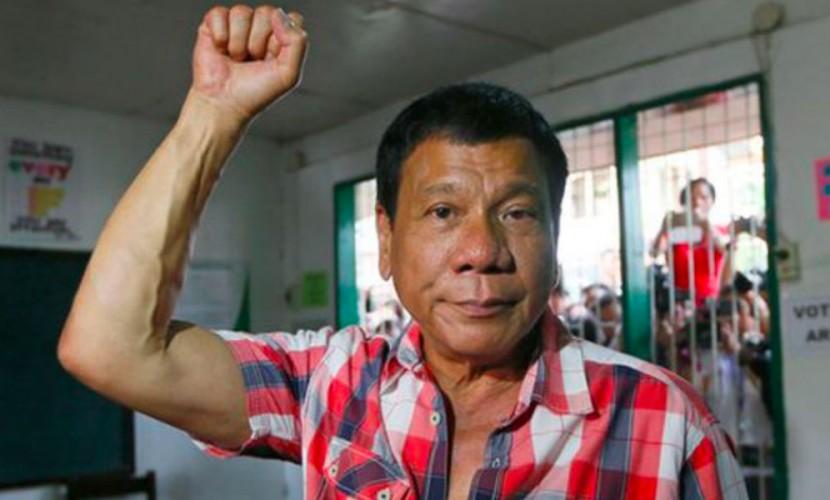 «Сукин сын, я прокляну тебя»: президент Филиппин потребовал от Обамы уважения