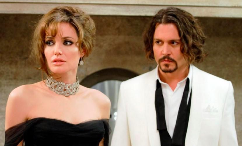 Джоли прекратила общение сПиттом и«переключилась» наДжонни Деппа