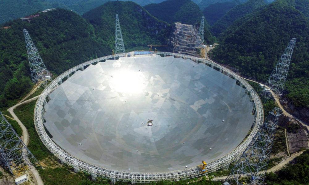 Построенный для поиска инопланетян телескоп поймал сигнал с далекой звезды, - ученые