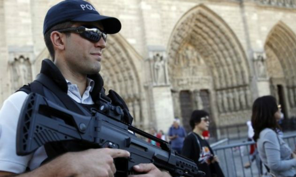 Три задержанные у собора Нотр-Дам-де-Пари смертницы являлись сторонницами ИГ