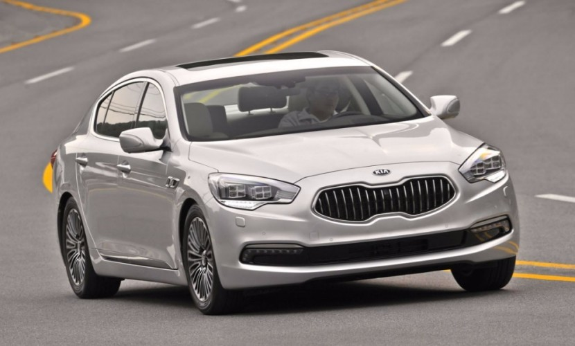 У семьи сотрудницы налоговой службы решили отобрать люксовое авто за три миллиона рублей в Саранске
