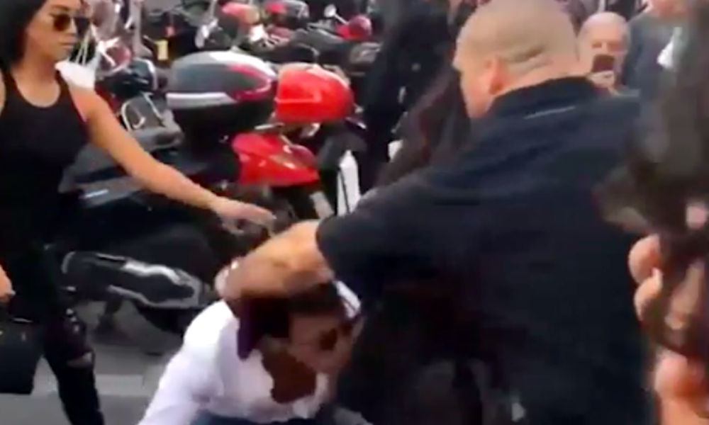 Скандальный украинец поцеловал Ким Кардашьян в ягодицы и попал на видео