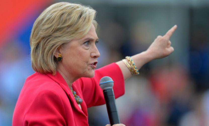 ФБР сообщило об атаках на серверы Хиллари Клинтон из Украины и России