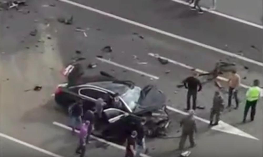 Опубликовано видео с места ДТП в Москве, где погиб водитель Управделами президента