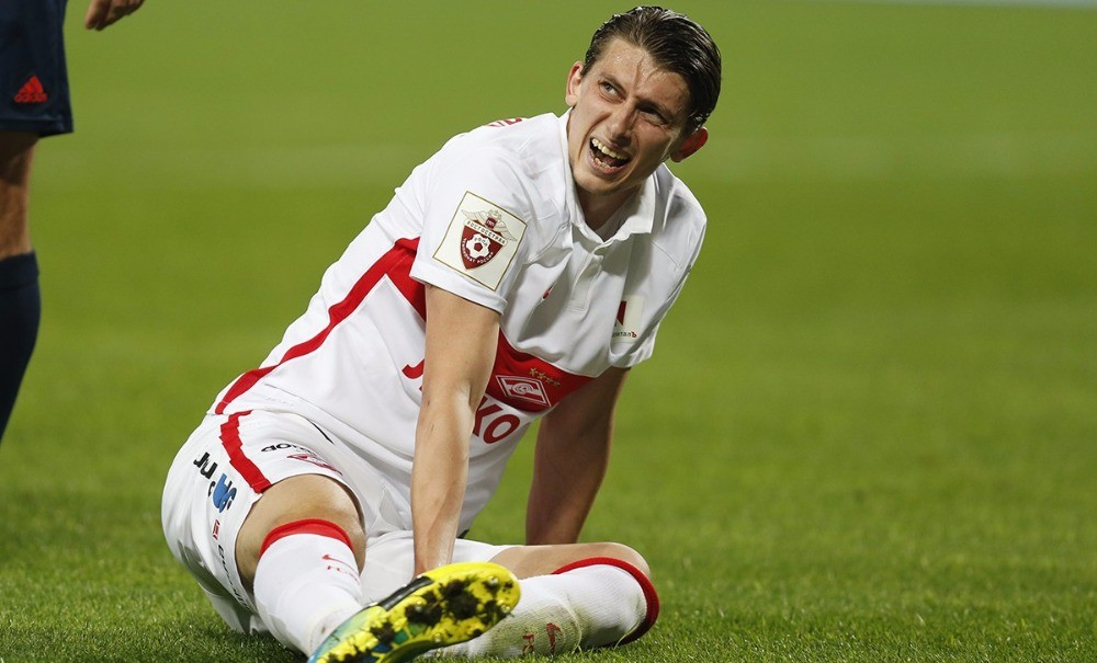 Черчесов разрешил футболисту покинуть сборную ради новорожденного сына Иллариона