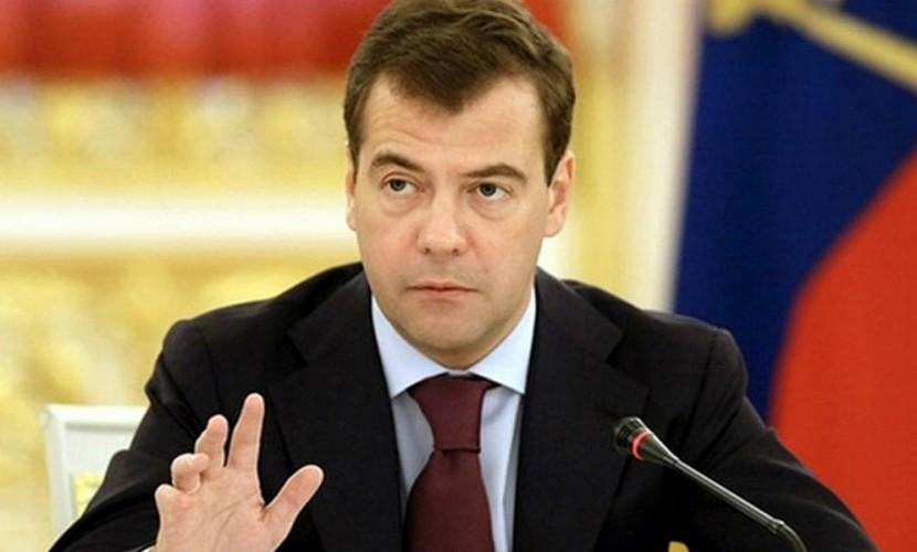 Медведев подписал постановление о приоритетном положении российских товаров при госзакупках