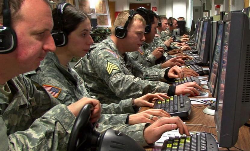 """""""На нас напирают"""": информационная война с Россией насторожила НАТО"""
