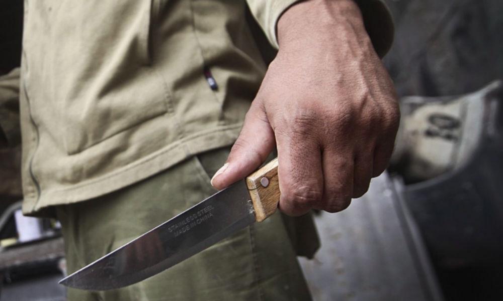 Пенсионер с ножом атаковал пришедших ему на помощь детей в Башкирии