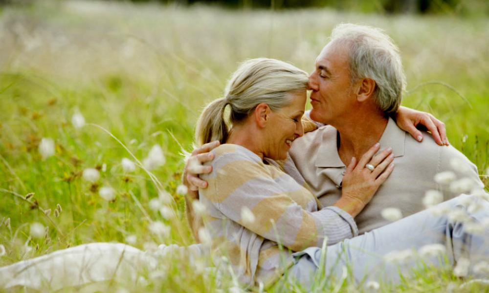 Ученые: секс в пожилом возрасте смертельно опасен для мужчин и полезен для женщин
