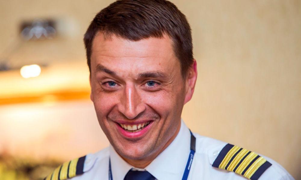 """Командир Парикожа стал """"Томичом года"""" за посадку горящего самолета с россиянами"""