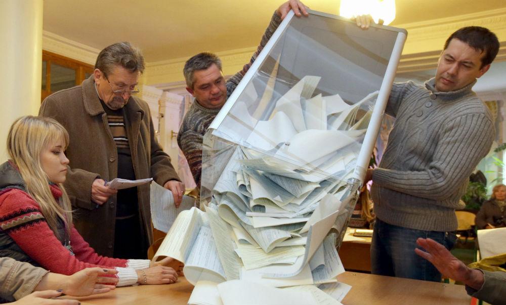 В Якутии и на Урале «Справедливая Россия» уверенно идет вслед за партией власти