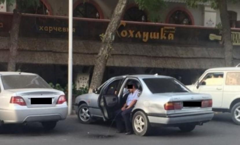«Писающего» вАлматы полицейского освободили отзанимаемой должности