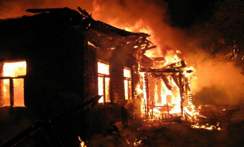 НаПсковщине при пожаре живьем сгорели трое детей