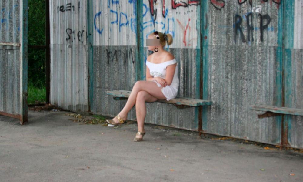 Девятиклассницу из Саратова задержали за платный секс на автобусной остановке