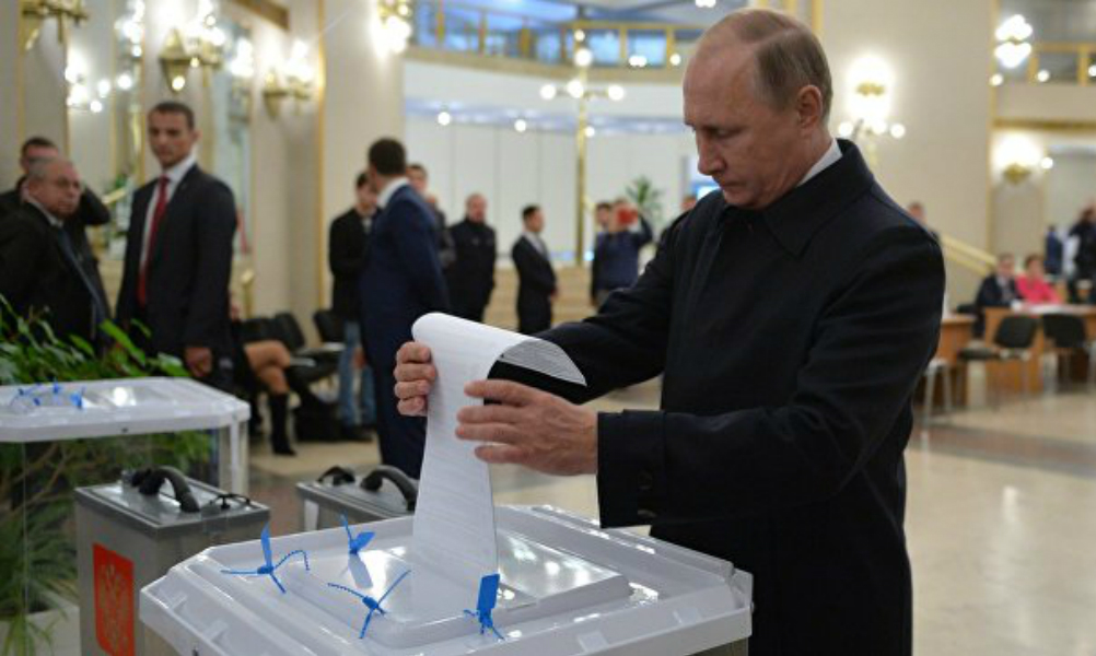 Путин: Людям тяжело, но на выборах они проявили гражданскую позицию