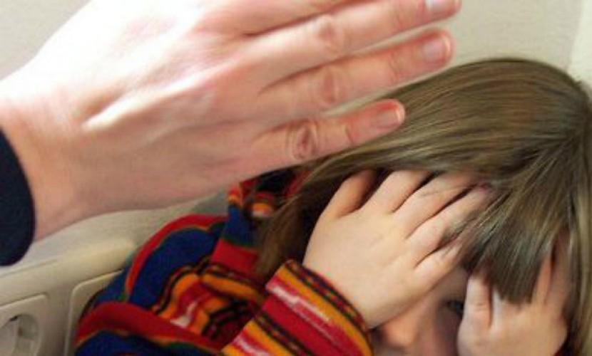 ВЛюдинове мать убила четырехлетнюю приемную дочь