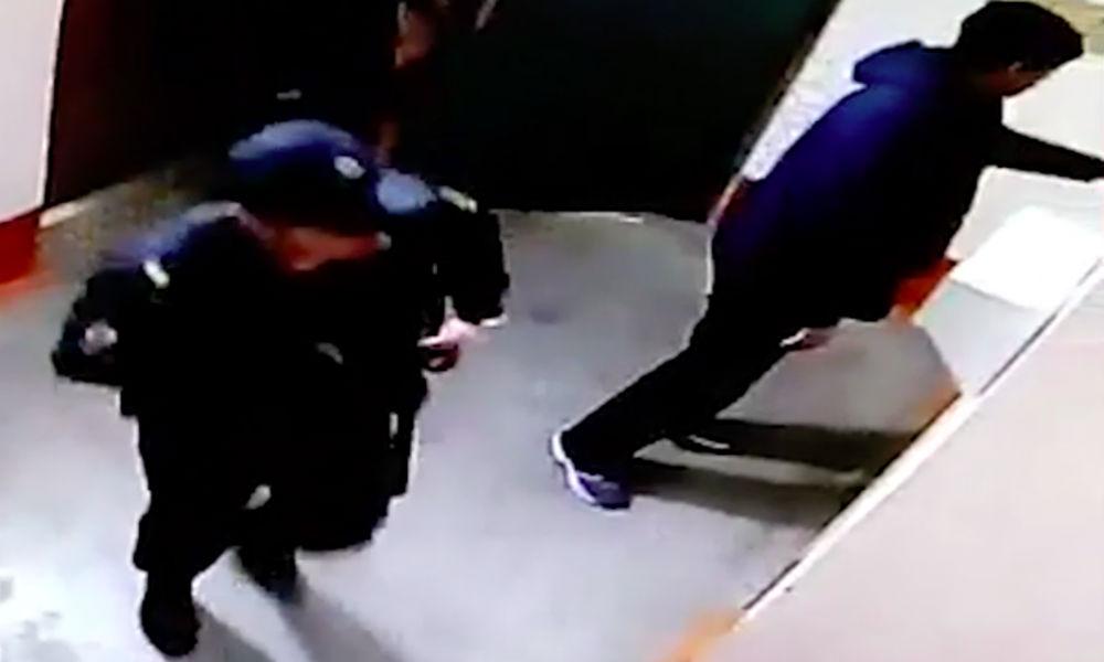 Сургутского полицейского решили уволить из органов из-за его пошлого рисунка в подъезде