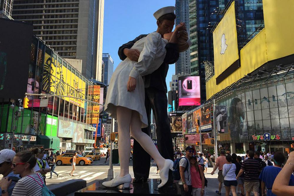Памятник в Нью-Йорке