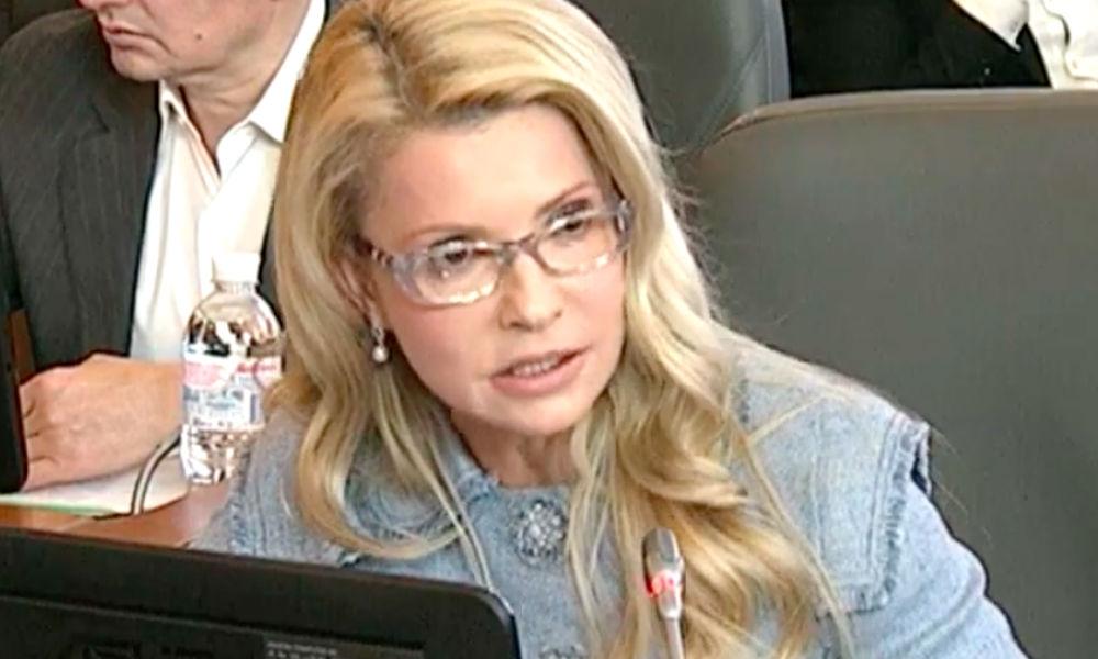 Недовольные властью жители Львова потребовали вернуть экс-президента Януковича