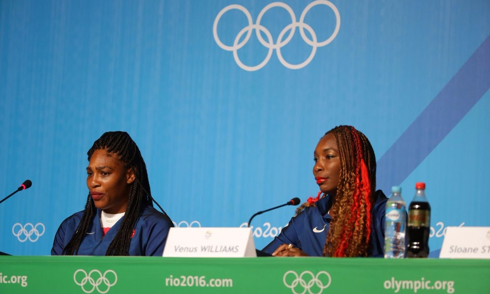 Американские теннисистки Серена и Винус Уильямс годами принимали допинг с разрешения ВАДА