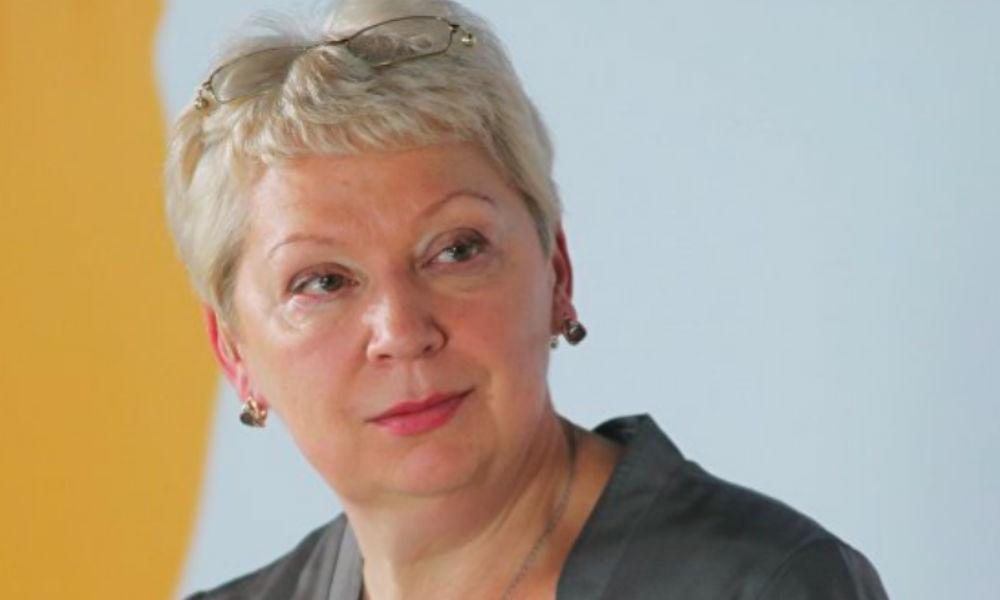 «Люди так не работают»: Васильева уволила автора идеи о лишении ученой степени по решению суда