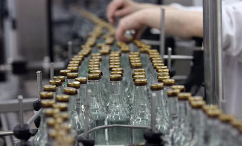 Минпромторг предлагает снизить стоимость водки до100 руб.