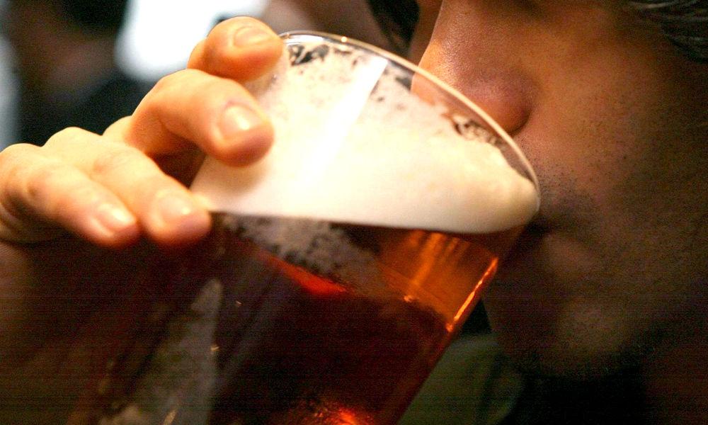 Бутылями алкоголя подкупала «Единая Россия» голосующих за «нужного кандидата» в Новосибирске