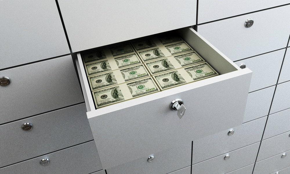 Надежное место: у бизнесмена из Москвы украли 30 миллионов из ячеек «Газпромбанка»