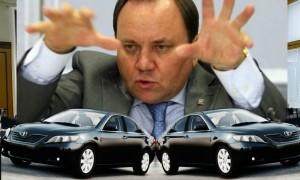 Депутат Госдумы Дерябкин потребовал в свое распоряжение два кабинета и два автомобиля за бюджетные деньги