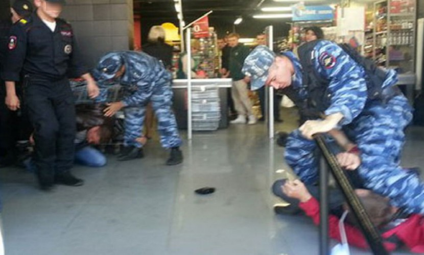ВОмской области полицейские устроили массовую драку