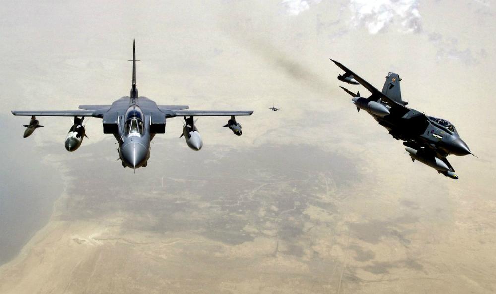 Британские бомбардировщики пролетели над идущей к Сирии российской флотилией