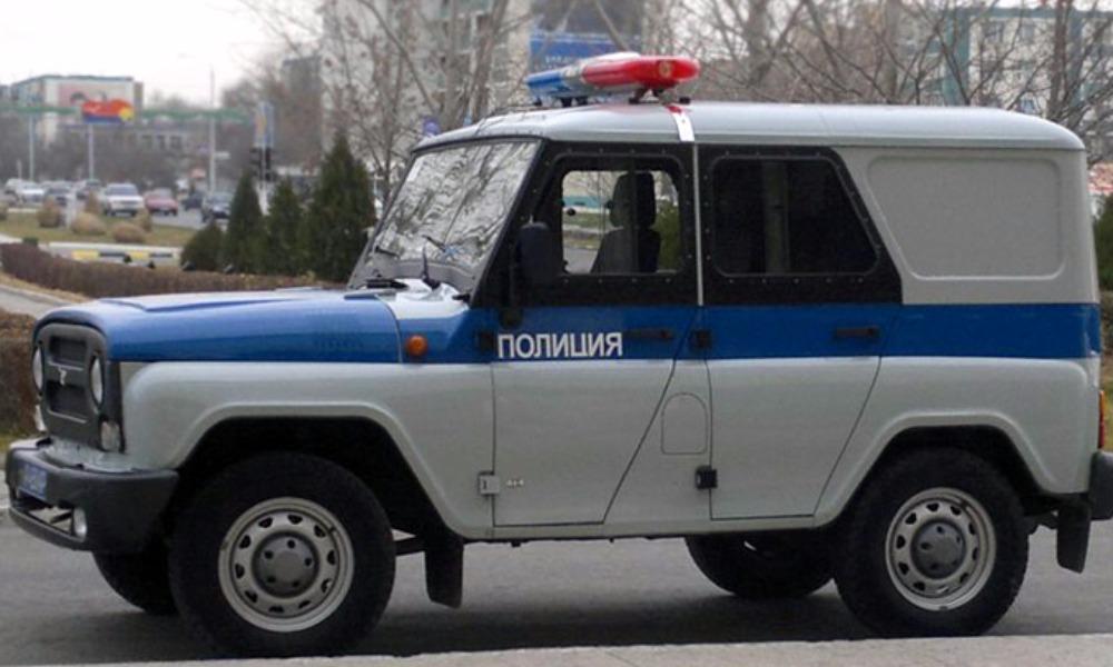 Мальчик выбежал из-за угла дома под колёса полицейской машины в Кемеровской области