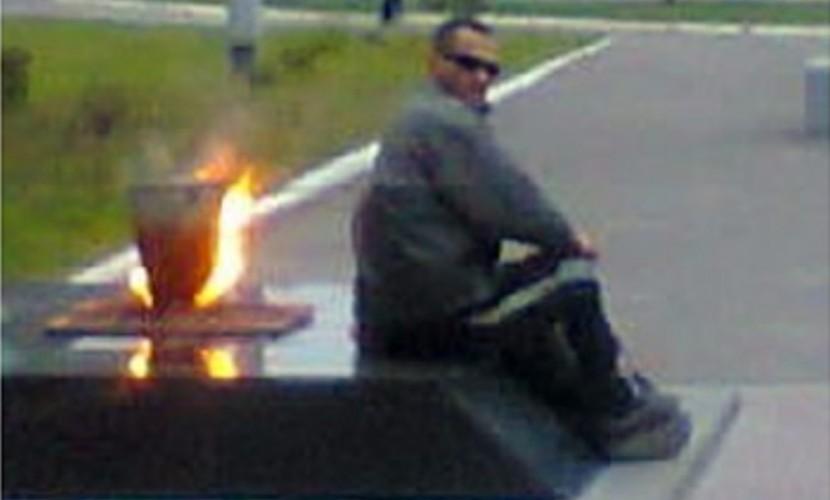 Варивший картошку на Вечном огне мужчина попался на квартирной краже в Брянской области