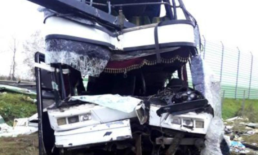 Страшная авария с участием пассажирского автобуса и автопоезда произошла в Северной Осетии: есть погибшие и тяжелораненые