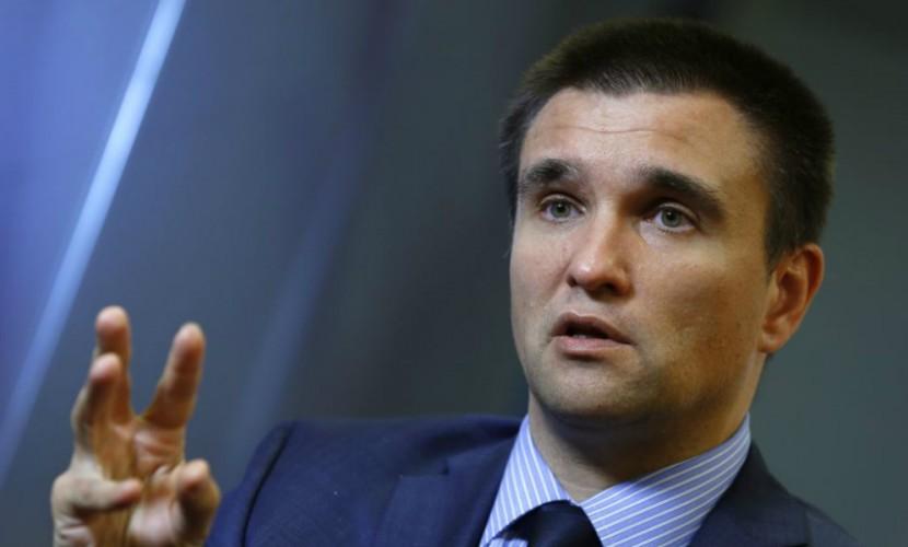 «Вы живете в другой реальности»: немецкий журналист загнал в тупик неудобными вопросами главу МИД Украины